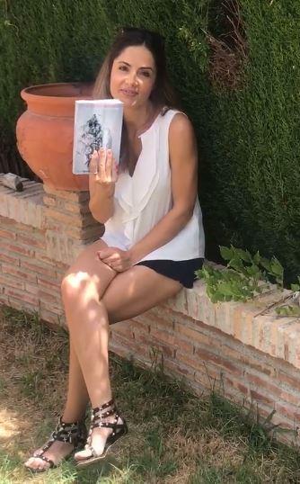 Publicar-un-libro-editar-Madrid - Barcelona -España-Cataluña-Catalunya-català-Andalucia-coedicion-autoedicion-tradicional-manuscrito-lo-que-quiero-lo-consigo-amanda-seibiel-Myr-Garrido-2