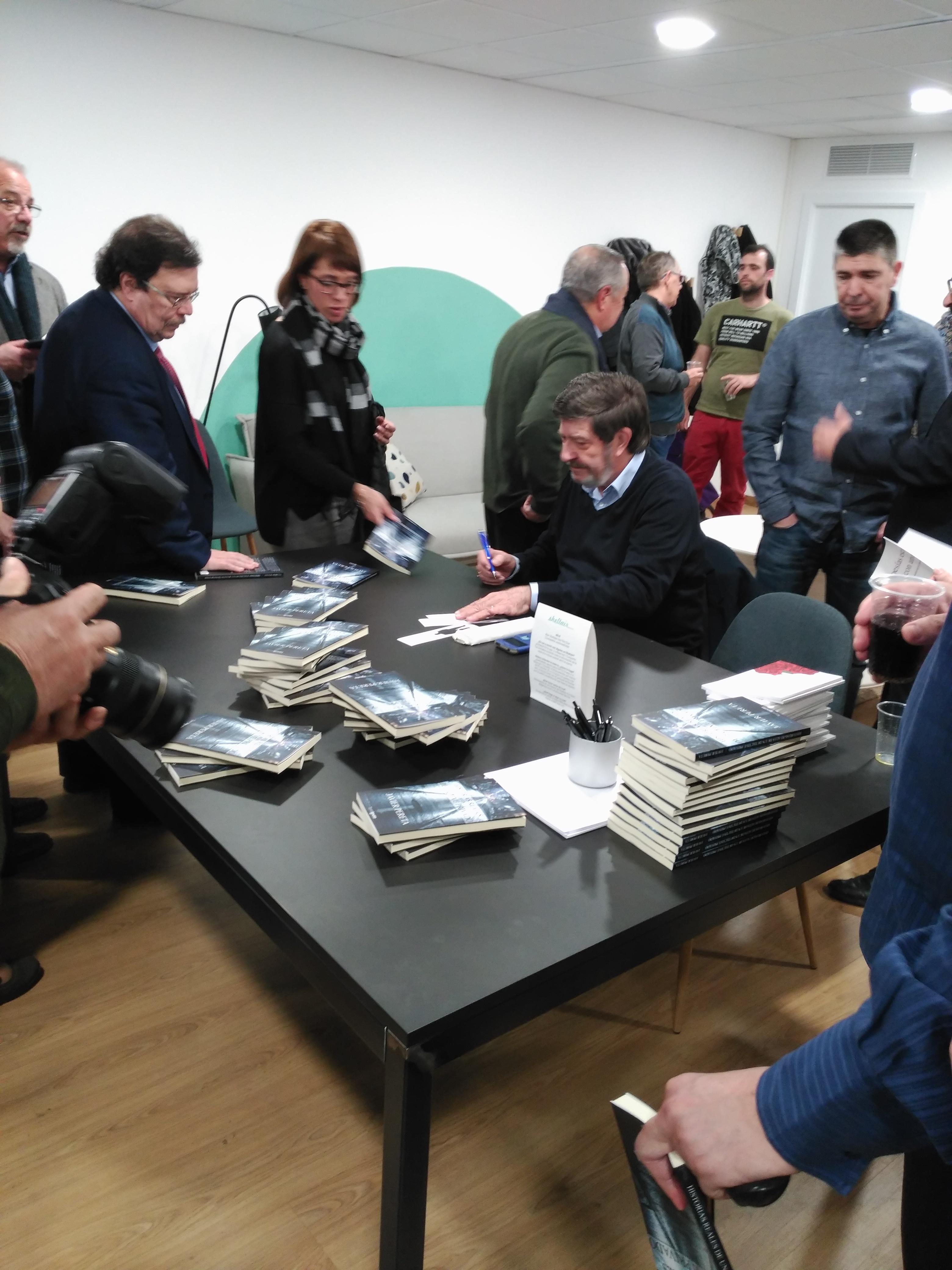 Publicar-un-libro-editar-Madrid-Barcelona-cataluña-españa-català-Andalucia-coedicion-autoedicion-historias-reales-de-un-detective-privado-javier-pereta-4