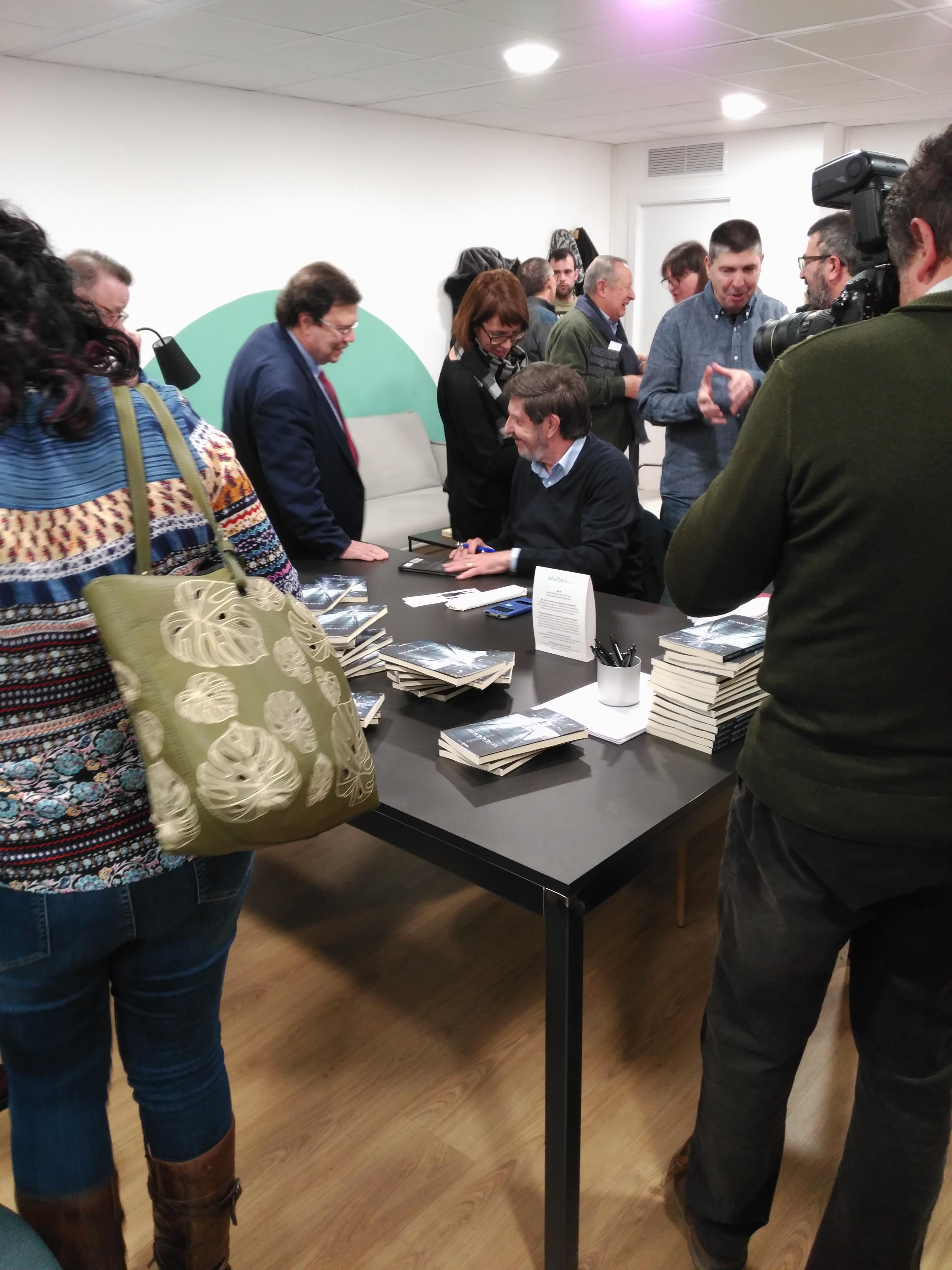 Publicar-un-libro-editar-Madrid-Barcelona-cataluña-españa-català-Andalucia-coedicion-autoedicion-historias-reales-de-un-detective-privado-javier-pereta-5