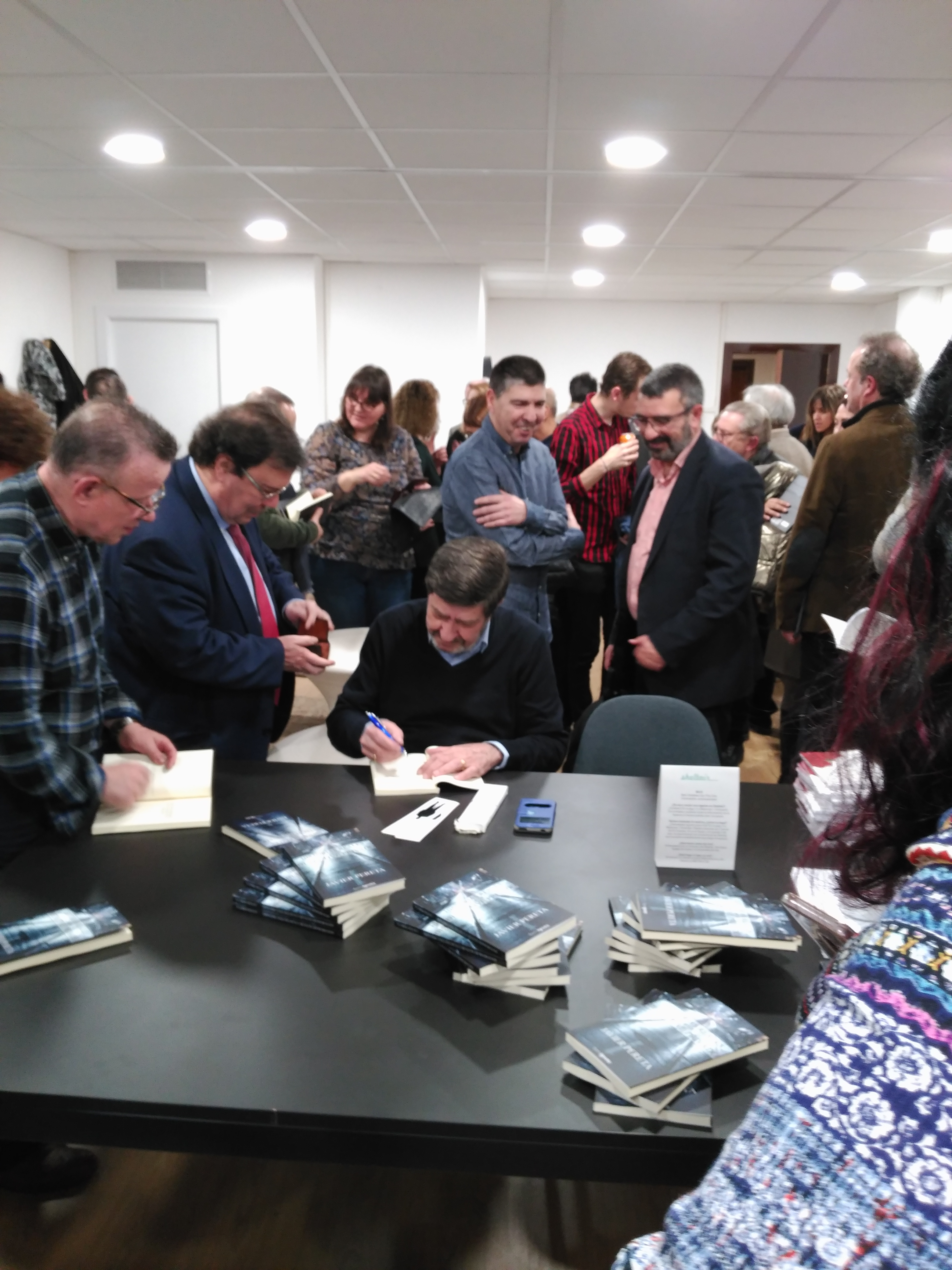 Publicar-un-libro-editar-Madrid-Barcelona-cataluña-españa-català-Andalucia-coedicion-autoedicion-historias-reales-de-un-detective-privado-javier-pereta-6