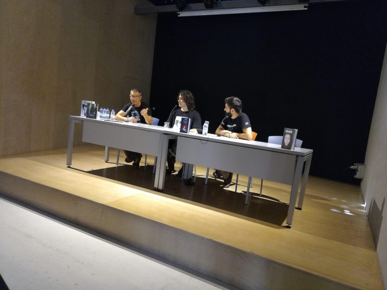 Publicar-un-libro-editar-Madrid-Barcelona-cataluña-españa-català-Andalucia-coedicion-autoedicion-viktor-lamb-el-cazador-de-inmortales-festival-Cryptshow-1