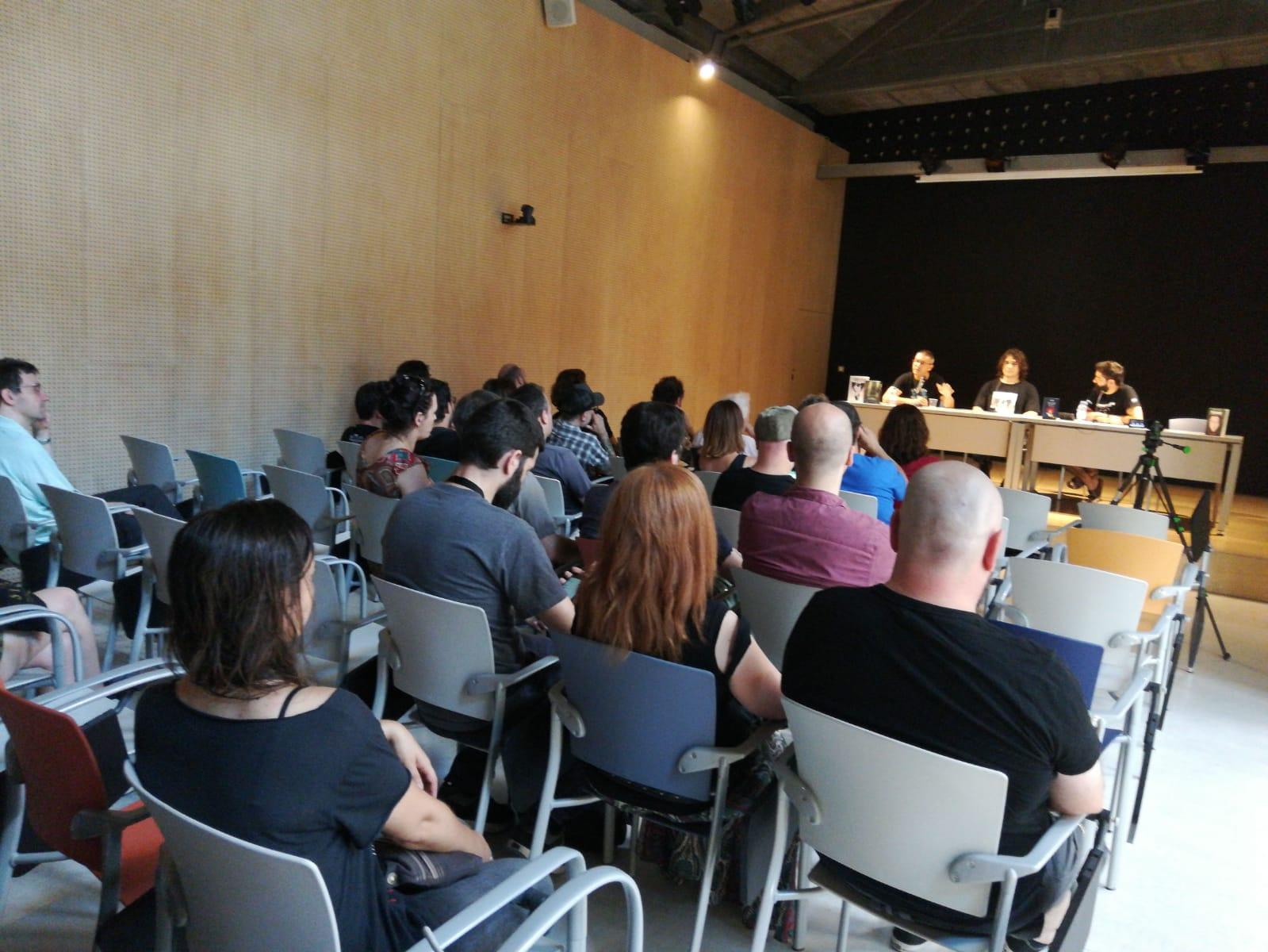 Publicar-un-libro-editar-Madrid-Barcelona-cataluña-españa-català-Andalucia-coedicion-autoedicion-viktor-lamb-el-cazador-de-inmortales-festival-Cryptshow-2