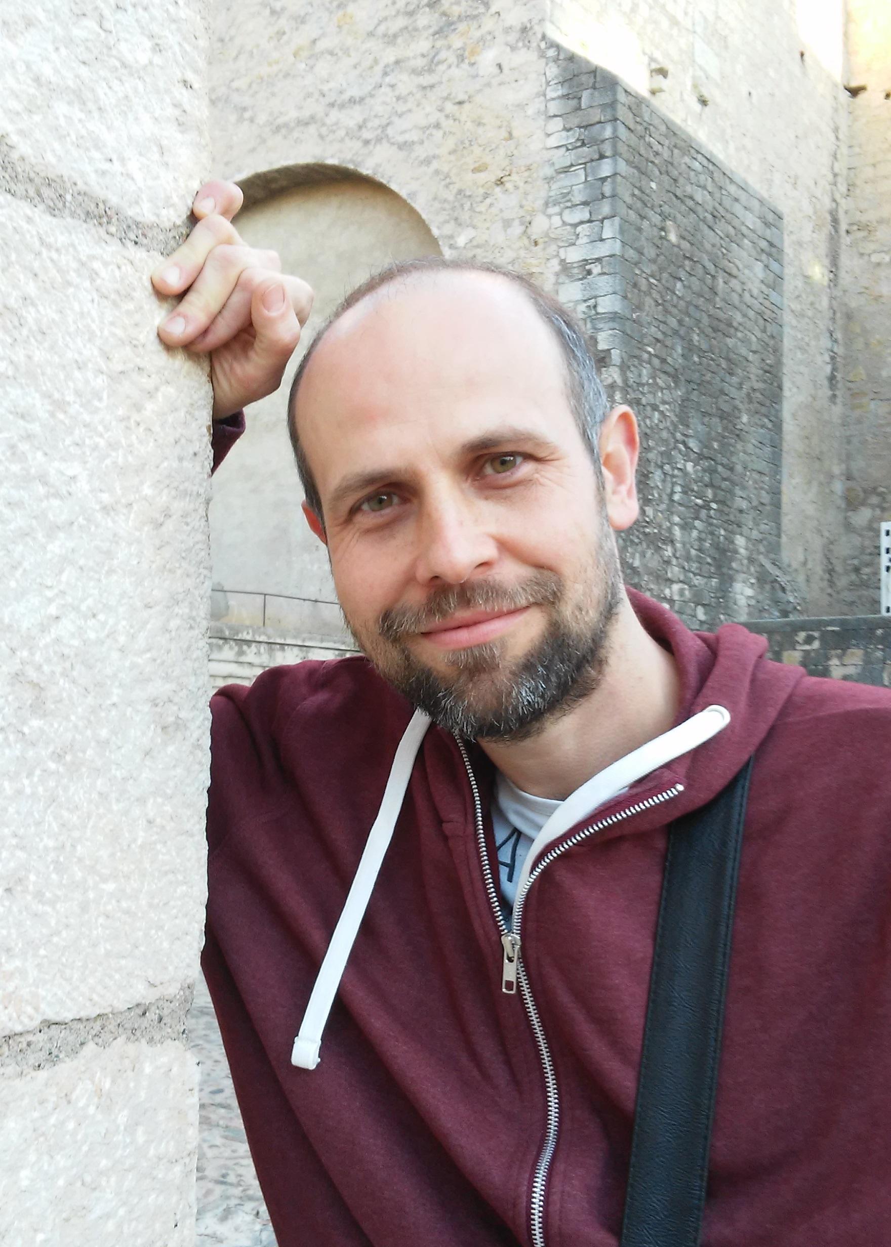 foto-david-valle-Sota-el-signe-de-la-lluna-jueva-Publicar-un-libro-editar-Madrid-Barcelona-cataluña-españa-català-Andalucia-coedicion-autoedicion